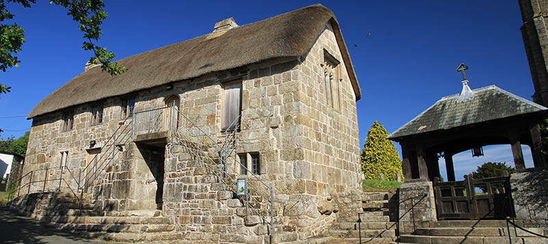Old church house listed building South Tawton
